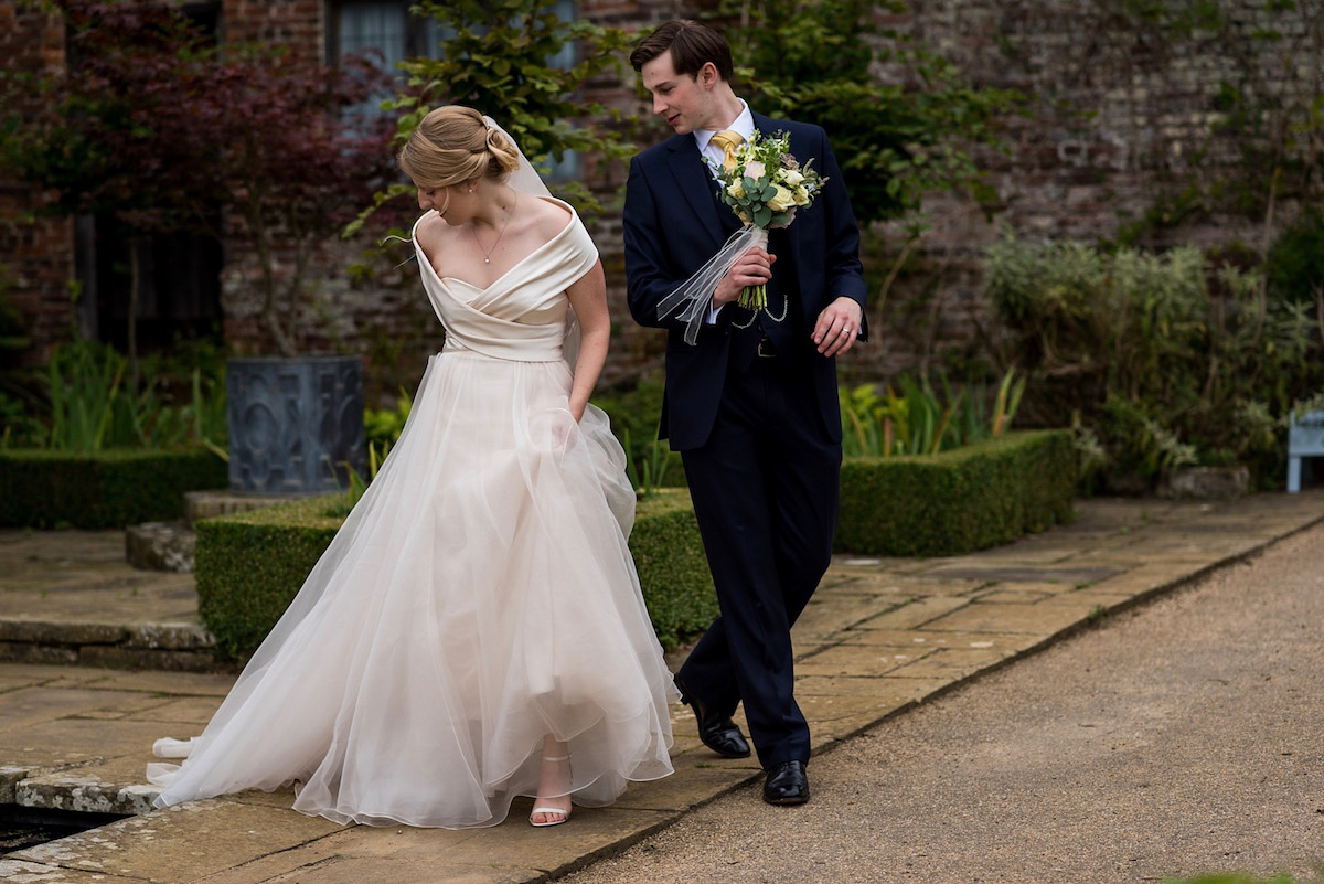 A Pale Pink Dress For A Romantic English Country Wedding (Weddings )