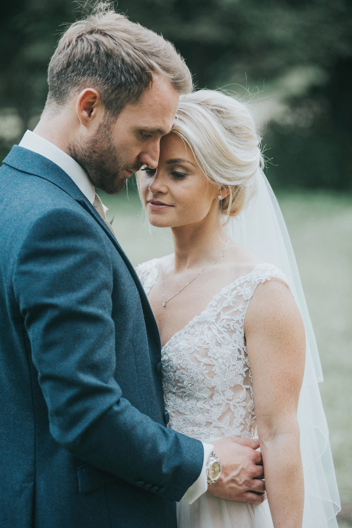 An Elegant Watters Gown for a Pared Back and Neutral September Wedding