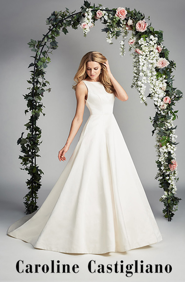 A Glamorous One-Shoulder Wedding Dress (Weddings )