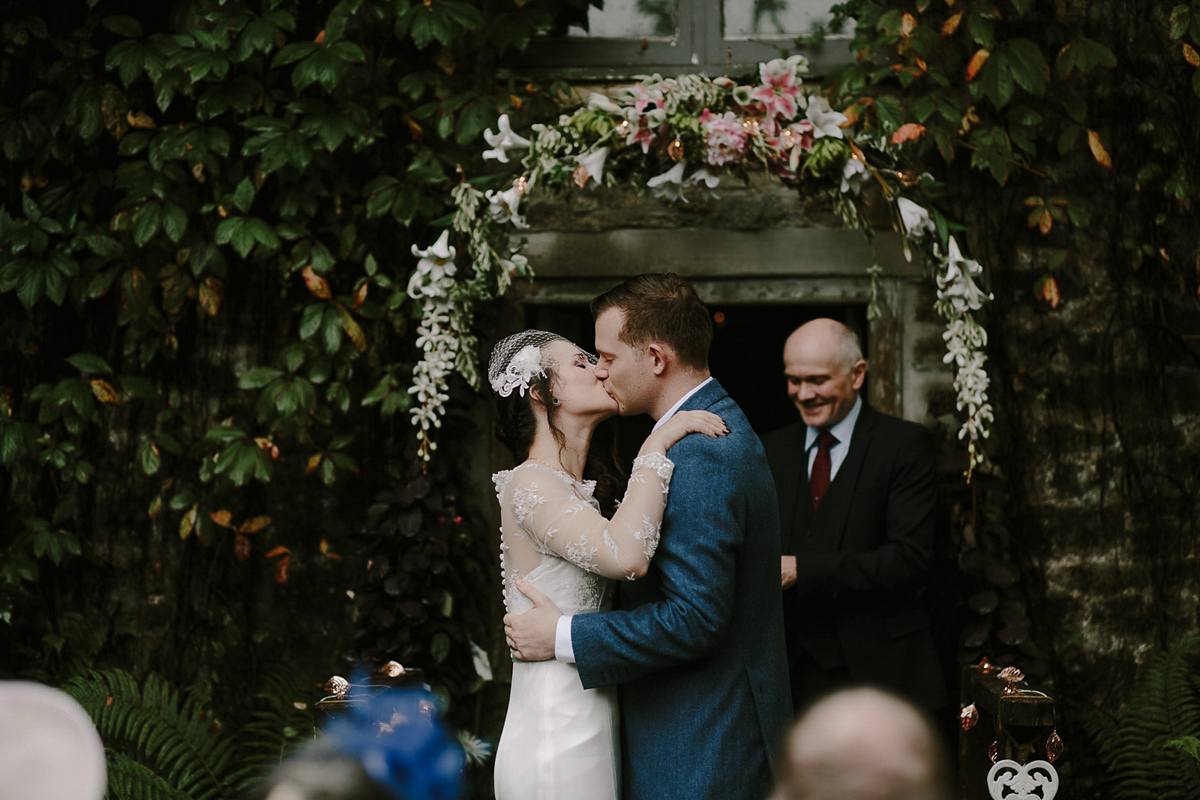 A Poetry and Nature Inspired Garden Wedding for an EHarmony Romance (Weddings )