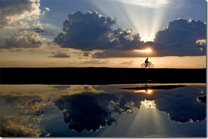 the_lone_cyclist_india