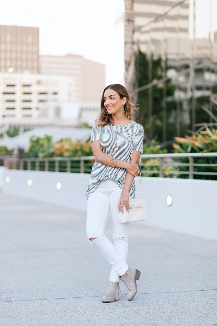 striped tee white distressed jeans