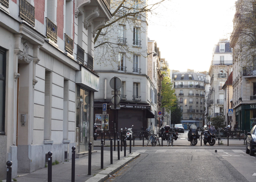 paris-eiffel-streets