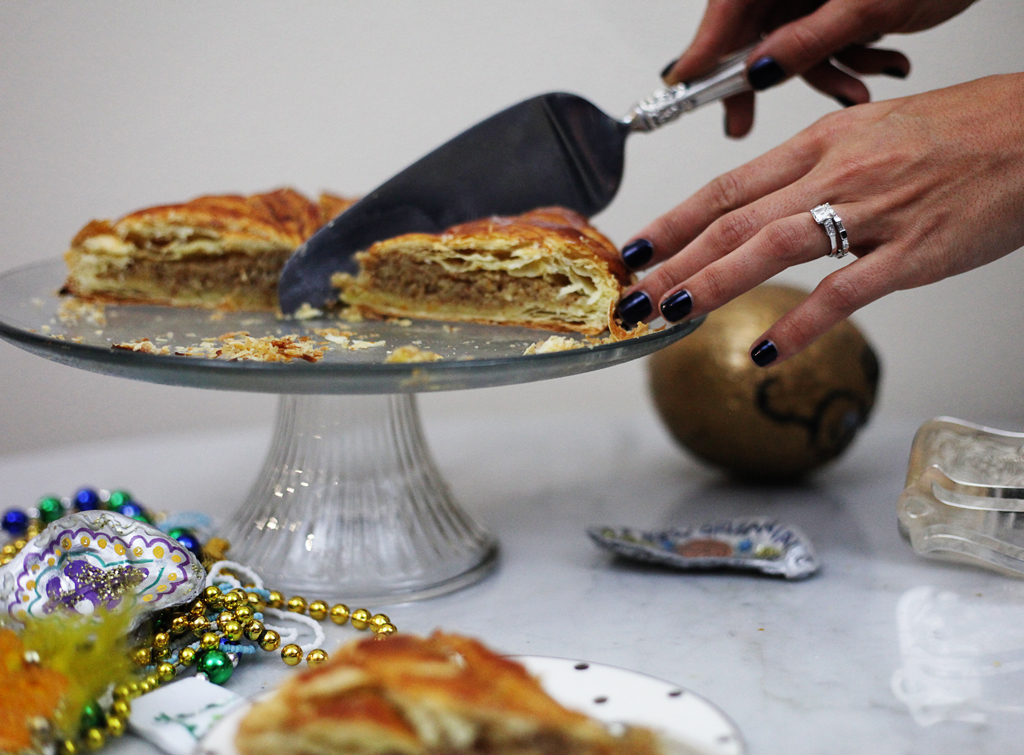 king-cake-cutting