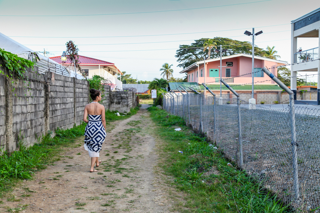 tobago crown point alley