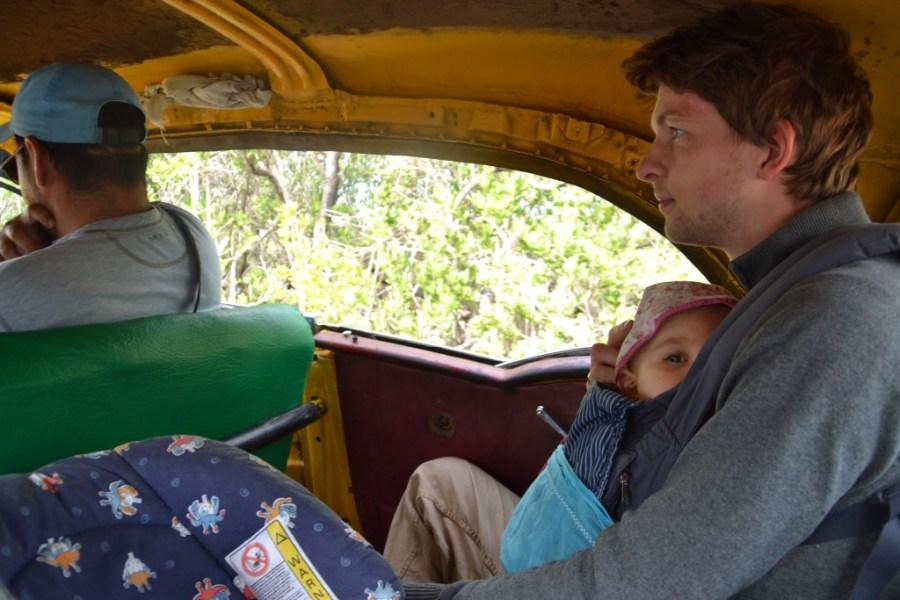 Love travelling family in a taxi to Ciénaga de Zapata