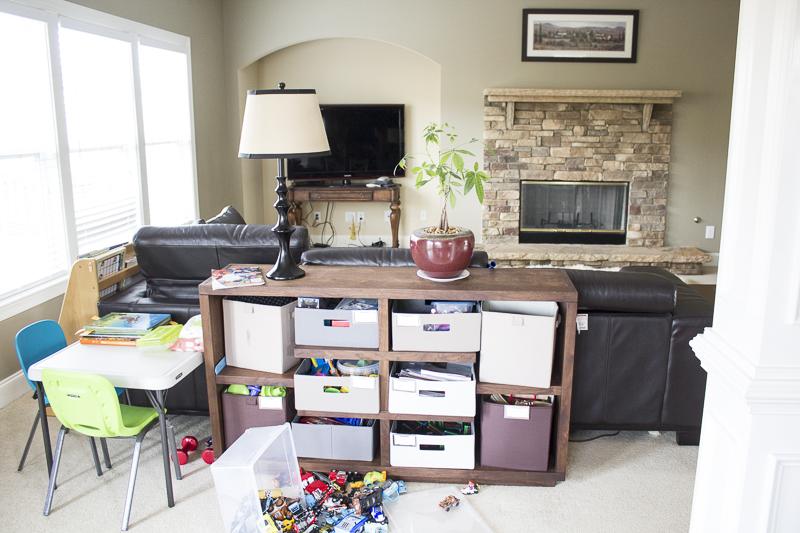 linda-living-room-before-reveal