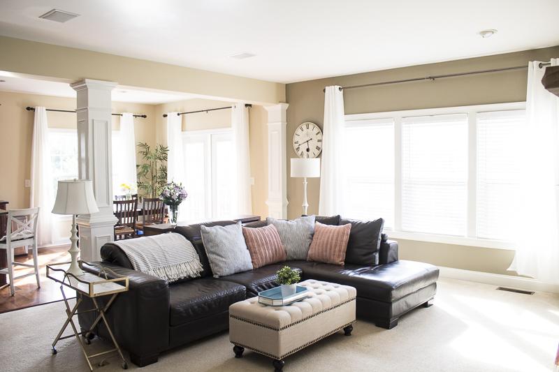 livingroom-reveal-barcart-gold-decor-brighten-space