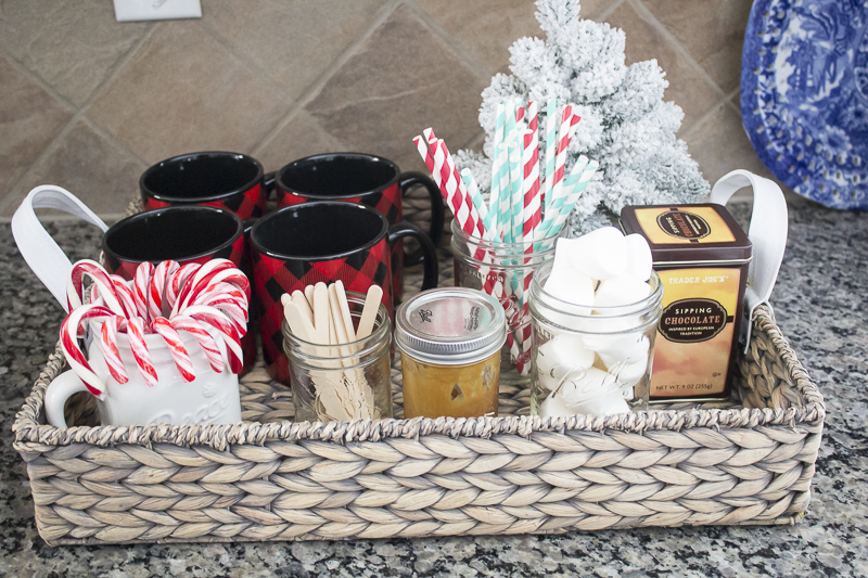 holiday-tour-christmas-tablescape-loveyourabode