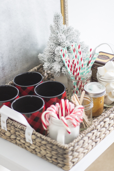 hot-cocoa-tray-bar-christmas-loveyourabode-8
