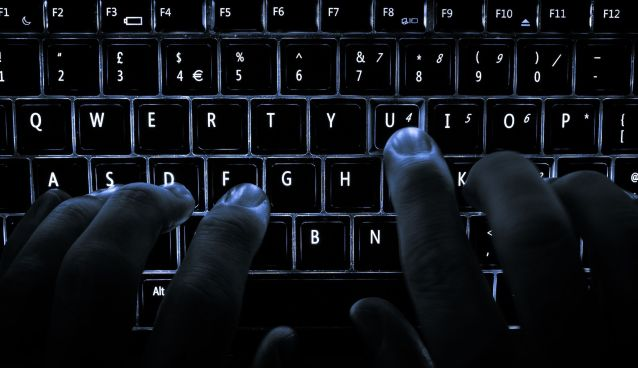 Teclado iluminado - Ataque hacker