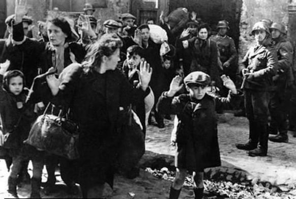 ed01204d44f7d Siamo tutti vestiti da ebrei dalla testa ai piedi –