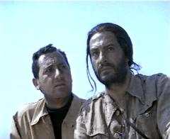 """Alberto Sordi e Nino Manfredi in """"Riusciranno i nostri eroi a ritrovare l'amico misteriosamente scomparso in Africa?"""" dopo la cura"""