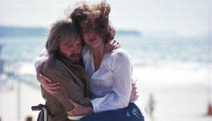 Jane Fonda e John Voigt in Tornando a casa