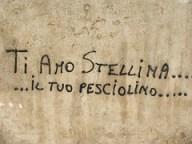 scritta amore sul muro