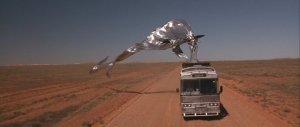 """""""The Adventures of Priscilla, Queen of the Desert"""" di Stephan Elliott, Australia, 1994. Con Hugo Weaving, Guy Pearce, Terence Stamp, Rebel Penfold-Russell, John Casey"""