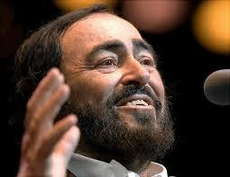 Luciano Pavarotti, nato il 12 ottobre 1935 e morto il 6 settembre 2007. Uno degli artisti italiani più apprezzati al mondo.