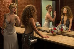 Jennifer Lawrence e Amy Adams in American Hustle