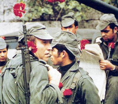 La Rivoluzione dei garofani fu il colpo di Stato incruento attuato nel 1974 da militari dell'ala progressista delle Forze Armate del Portogallo che pose fine al lungo regime autoritario fondato da Salazar