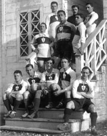 Il Genoa in una foto del campionato 1914-15.