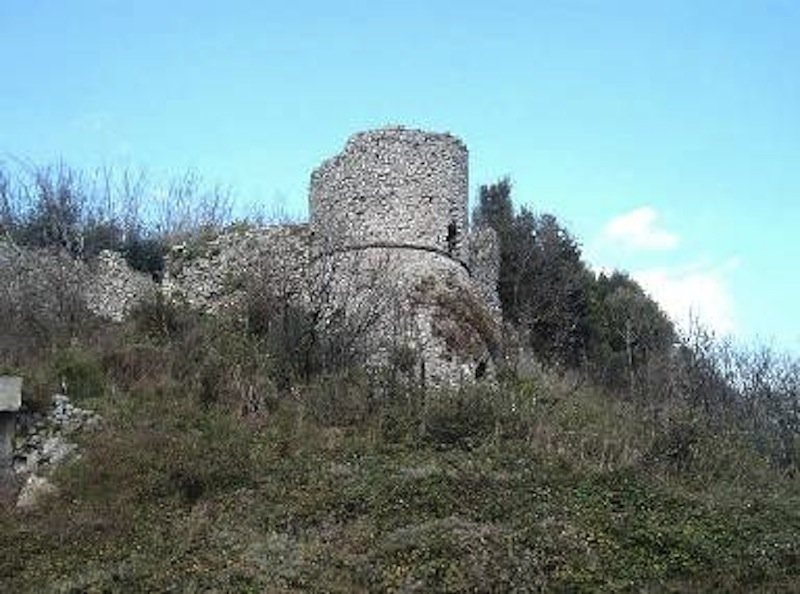 Telesia, rocca medievale.