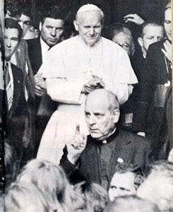 Papa Wotila e Paul Marcinkus.