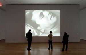 Caro Andy, noi si scherza, lo sappiamo che sei un grande artista e che questo Sleep è stato esposto nelle migliori gallerie d'arte