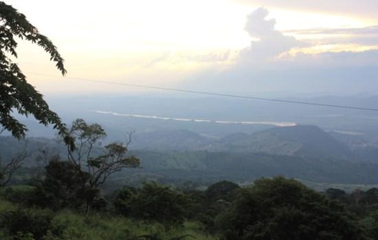 Il Rio Magdalena visto dalla Cordillera Oriental [foto: G.P. Miscione]