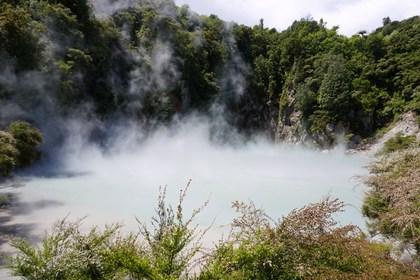 Lake Inferno-Waimangu Volcanic Valley (Rotorua)