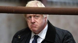 Per Boris Johnson il rischio di sbattere la capoccia è alto