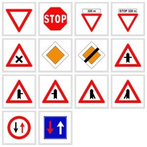Violazione del diritto di precedenza (25%), distrazione e alta velocità sono tra le prime cause degli incidenti.