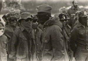 1972, Pino Masi (sullo sfondo a dx) a Belfast