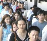 tutti in fila per le primarie di napoli