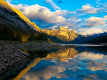 Top-10-Canadian-National-Parks