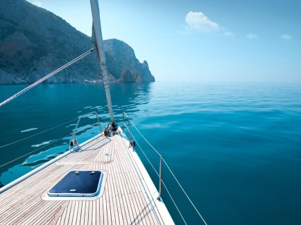 Hottest-Summer-Destinations-for-a-Superyacht