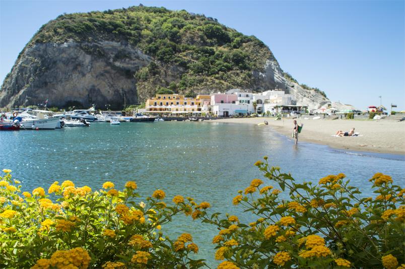 L'Albergo Della Regina Isabella – Ischia's Little Treasure
