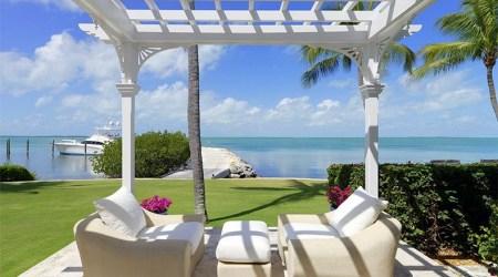Luxury seafront villa with swimming pool in Islamorada, Florida photo 1
