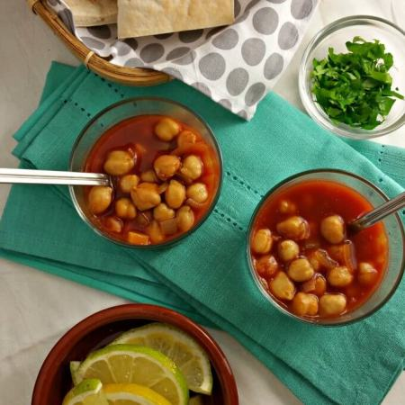 Chickpeas in Spicy Tomato Gravy ~ Food of the World ~ Egypt ~ Lydia's Flexitarian Kitchen