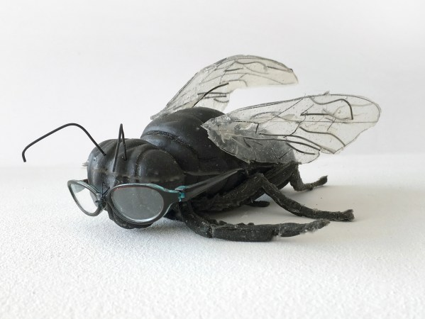Silverthorne-Jeanne-Self-portrait-as-Fly-with-Glasses-2017-platinum-silicone-rubber-wire-plastic-2-3_4-x-5-x-16-in