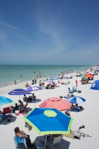 Naples, Floride - la plage et les parasols