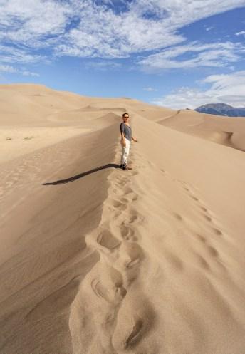 Great Sand Dunes Colorado - Mathilde sur la crête