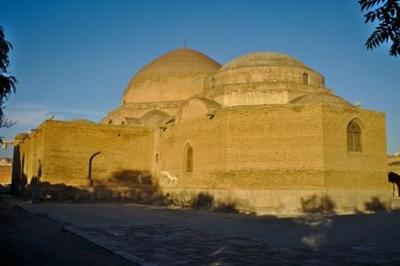 Tabriz: Die Blaue Moschee - ist leider eingestürzt und hat viel von ihrer Pracht verloren
