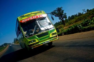 Ein weiterer der vielen farbenfrohen Busse