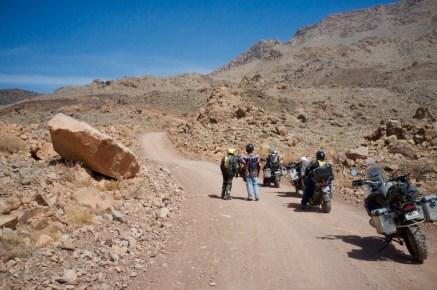 Zahlreiche kleine Trails durchziehen die Omanischen Berge und bieten alles was das Abenteurer-Herz begehrt