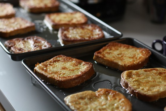 How to cook 12 pieces of french toast all at once.