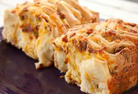 Bacon Cheddar Pull Apart Loaf