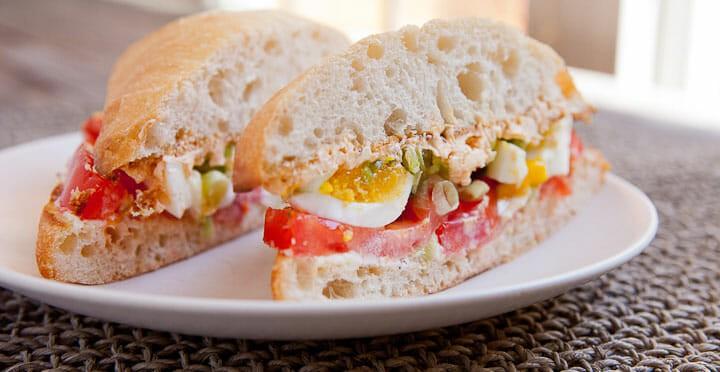 Egg and Tomato Sandwich for Breakfast ~ Macheesmo