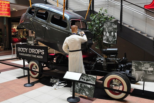 1937 Studebaker President body drop display