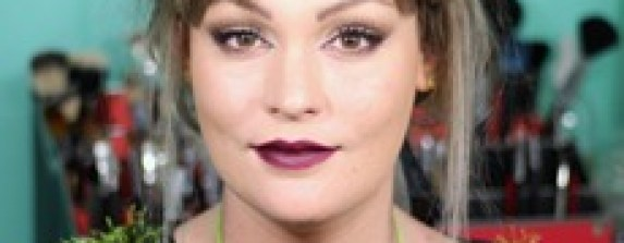 oxblood dark red lips neutral eye makeup tuutorial