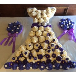 Small Crop Of Bridal Shower Cupcakes